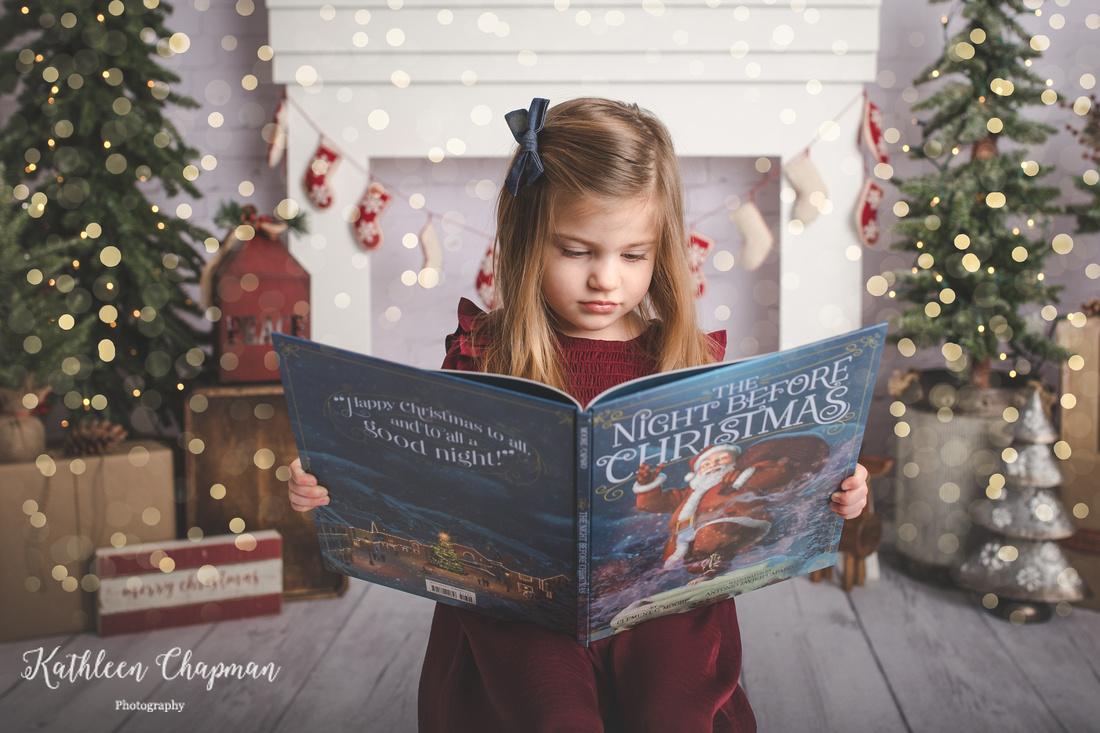 girl reading Christmas book | Christmas Mini Dickinson Center NY