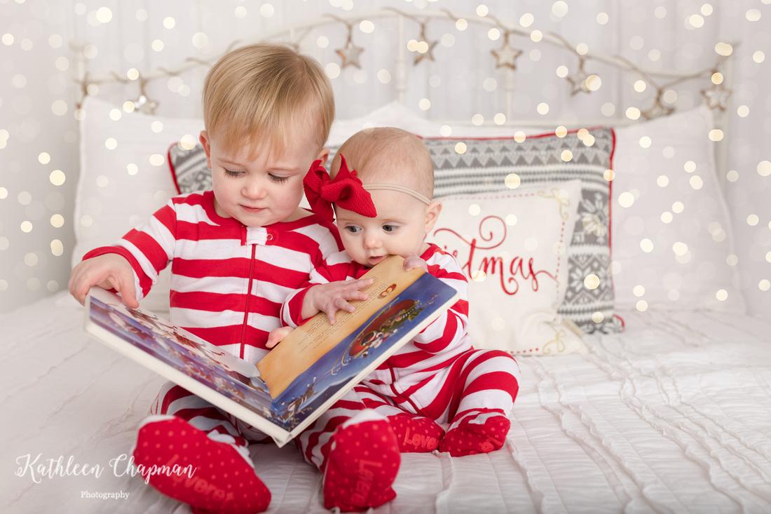 holiday mini siblings on bed | Potsdam NY family photographer