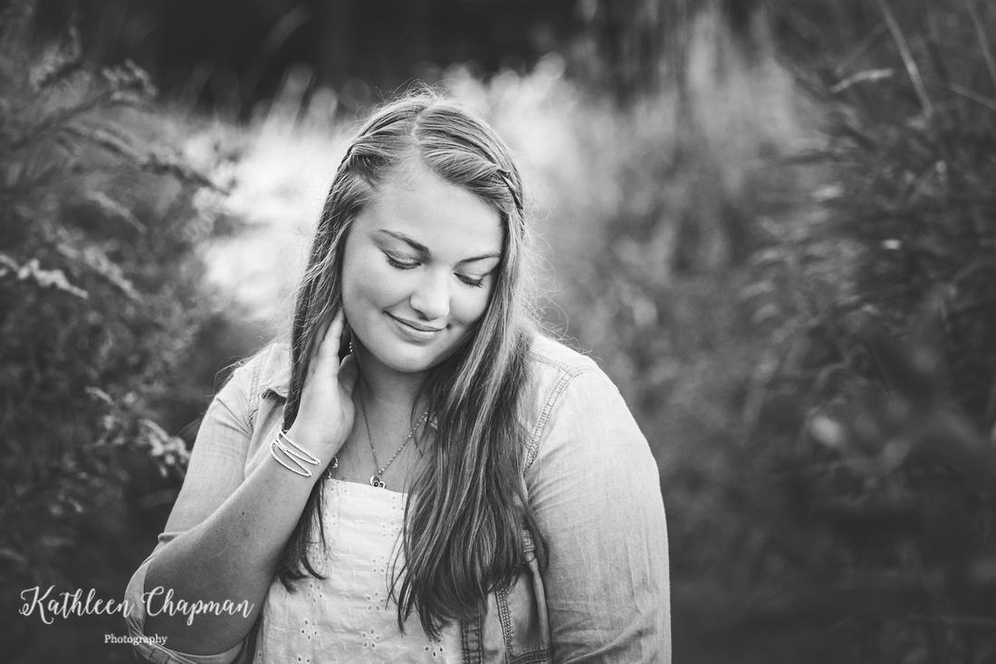 Beautiful senior girl black and white portrait | Massena NY senior photographer