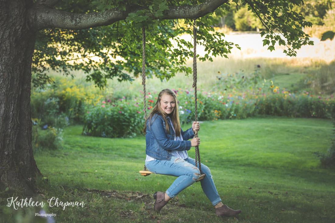 Senior girl on tree swing | Potsdam NY senior photographer