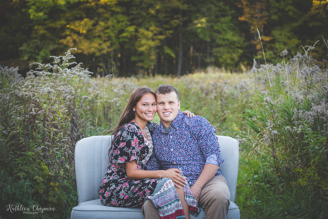 close up of young couple franklin county couple photographer